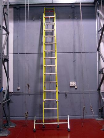 Escalera extensible de fibra portátil de fibra de 9 metros de altura.